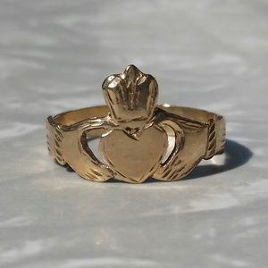 Antique 14K Yellow Gold Irish Claddagh Ring